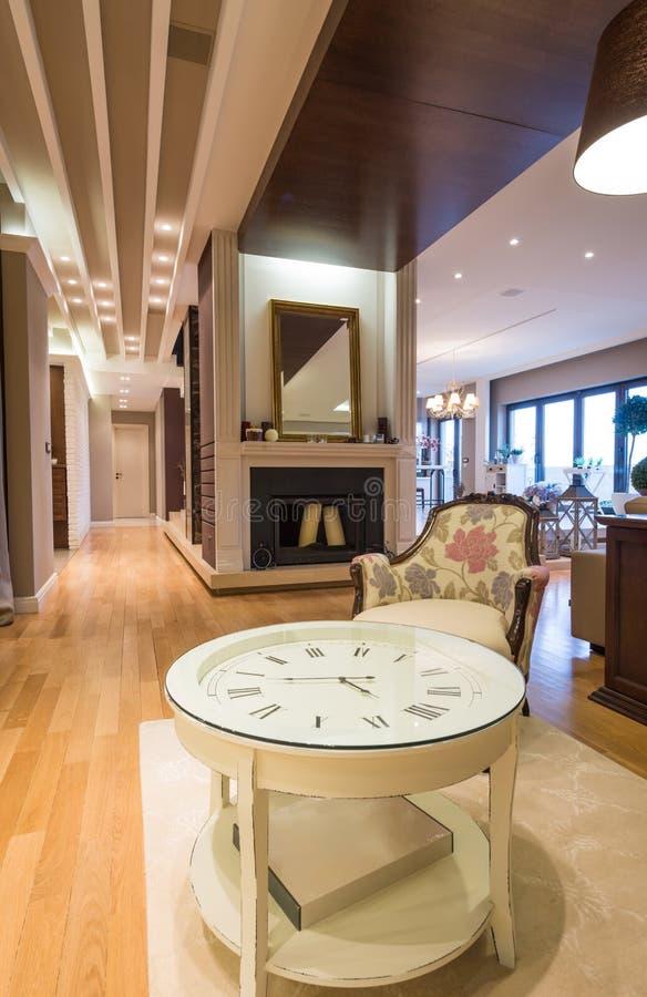 Lyxig lägenhetinre royaltyfri fotografi