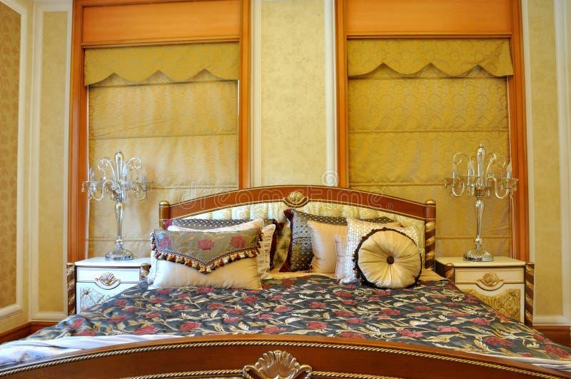 Lyxig Lokalstil För Sängkläder Arkivbild