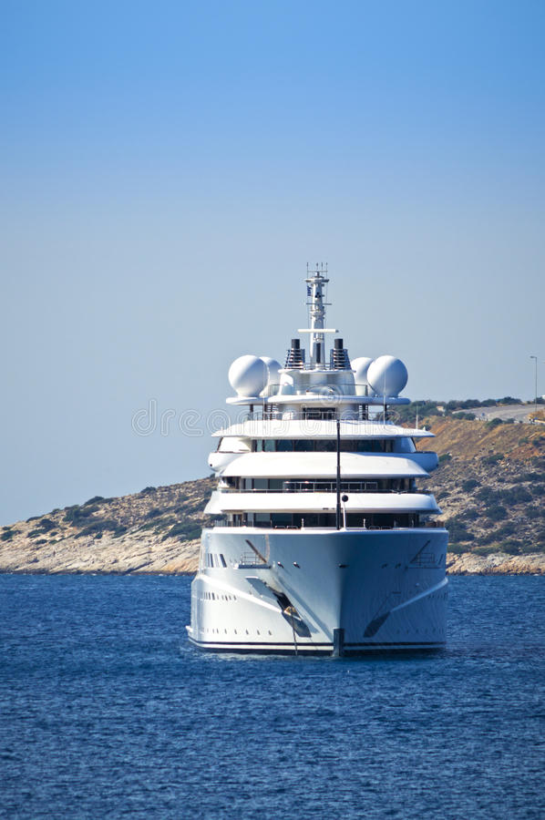 Lyxig mega yacht arkivfoto