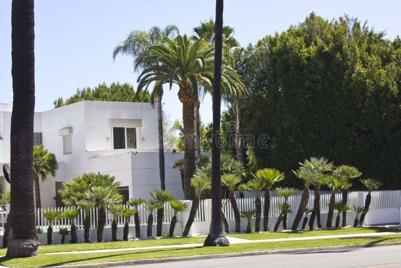Lyxig privat villa i Beverly Hills fotografering för bildbyråer
