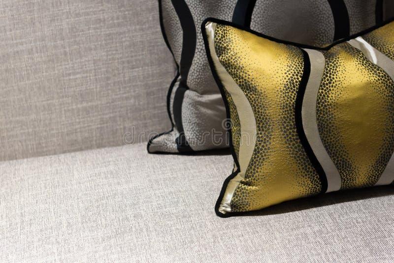 Lyxig stol och kudde royaltyfria foton