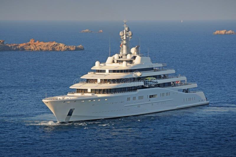 Lyxig Superyacht M/Y förmörkelse i Ibiza Spanien arkivfoto
