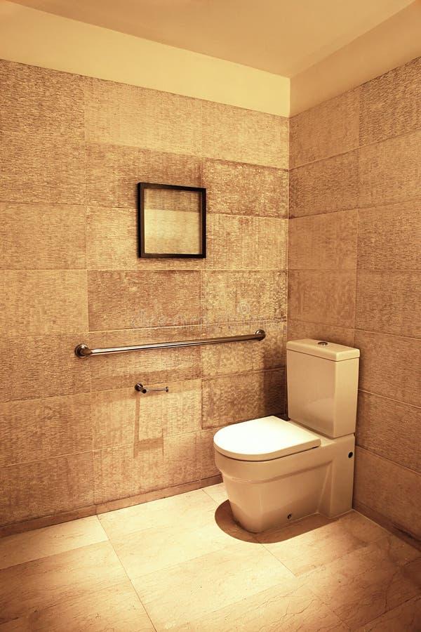 lyxig toalett arkivbild