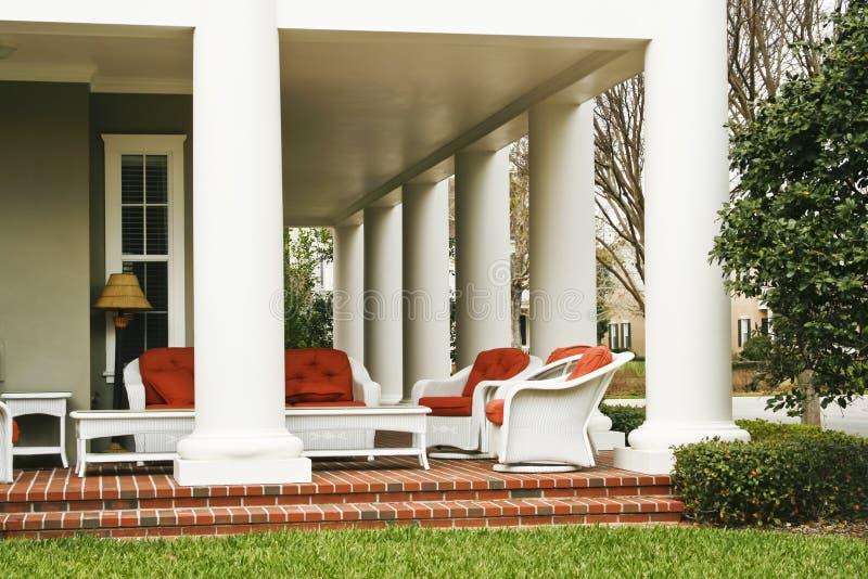 lyxig veranda fotografering för bildbyråer