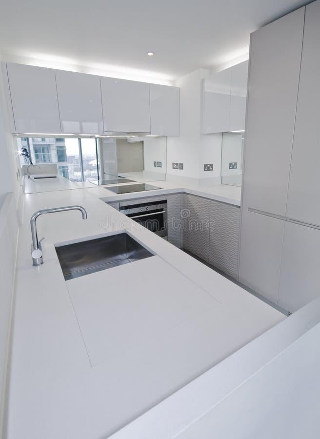 lyxig white för kök royaltyfri fotografi