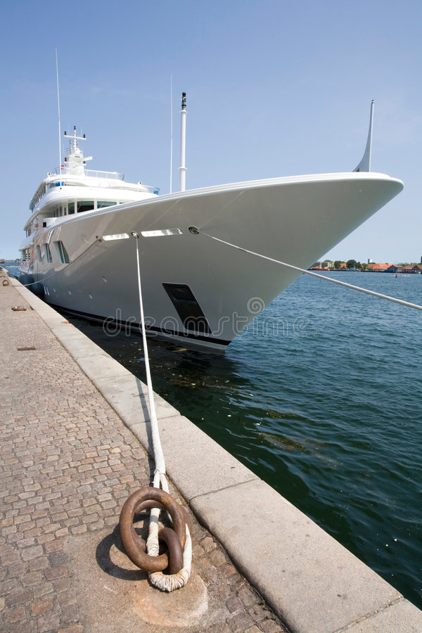 lyxig yacht fotografering för bildbyråer