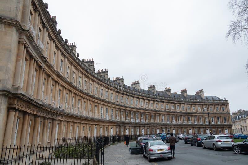 Lyxiga lägenheter runt om karusellen i bad arkivbilder