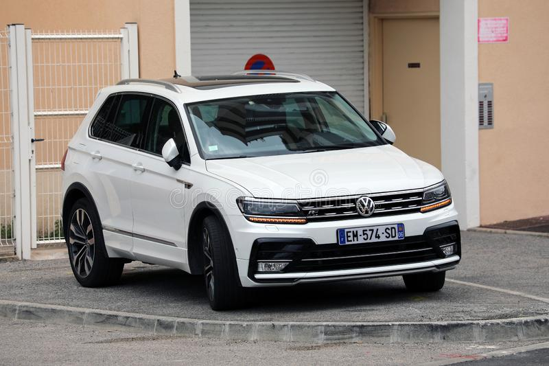 Lyxiga Volkswagen Tiguan royaltyfria bilder