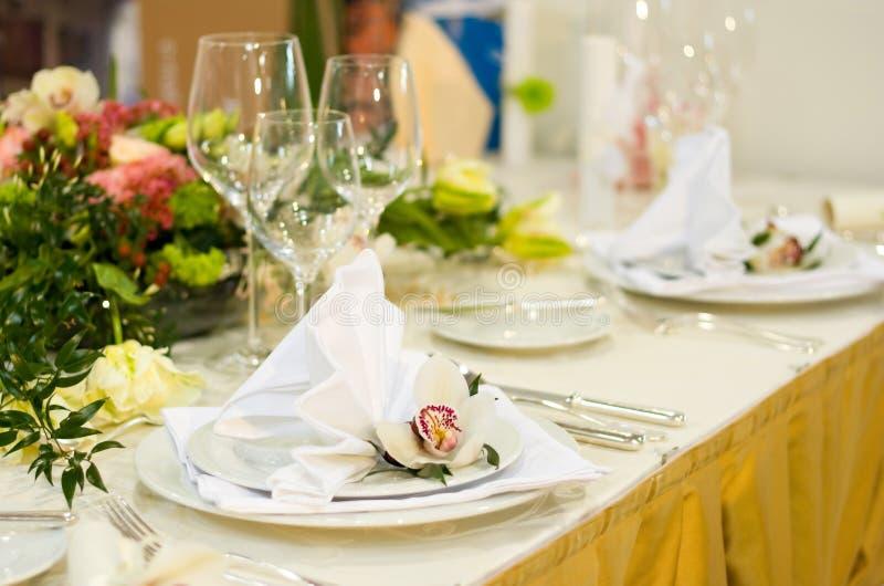 lyxigt inställningstabellbröllop royaltyfria foton