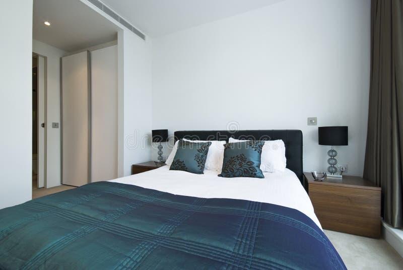lyxigt modernt för sovrumdetalj arkivbilder