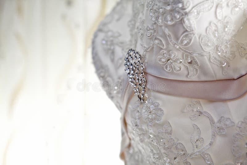 lyxigt trevligt bröllop för klänningsmycken arkivbild