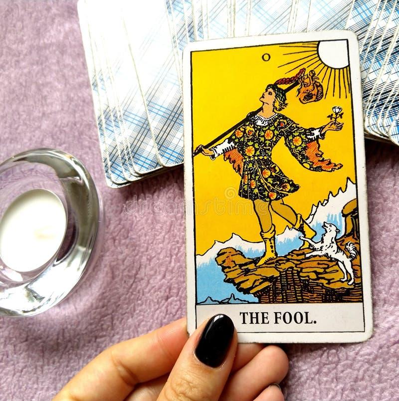 Mágica oculto da adivinhação dos cartões de tarô ilustração do vetor