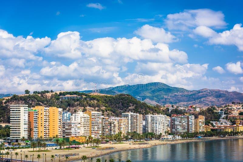 Málaga, Spanien, som återbär skyline vid Malagueta Beach royaltyfria bilder