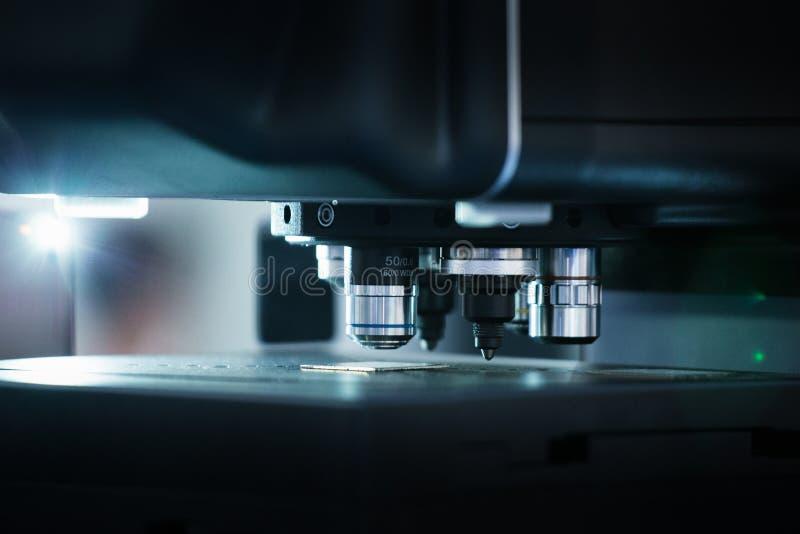 Máquina ótica para a medida precisa imagens de stock