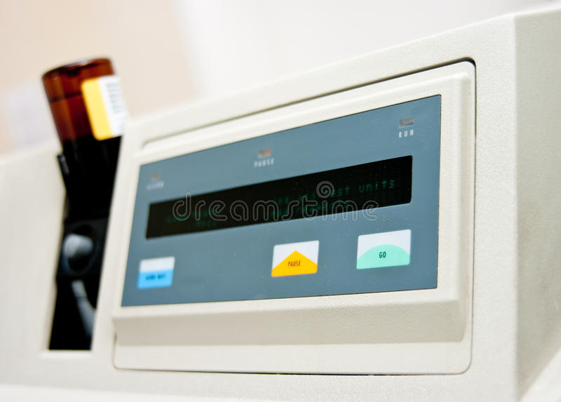 Máquina da análise de sangue imagens de stock