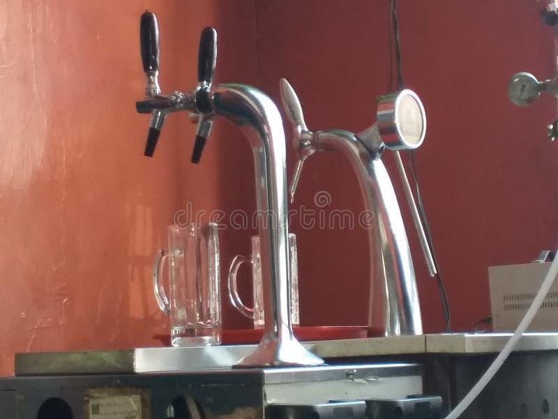 Máquina da cerveja de esboço fotos de stock royalty free