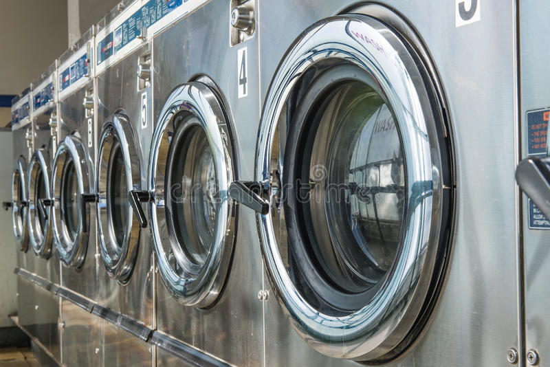 Máquina da lavanderia imagem de stock royalty free