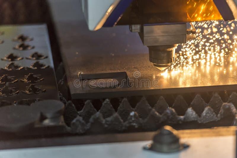 A máquina de corte do laser do plasma imagens de stock