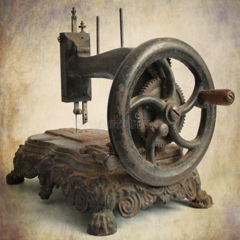 Máquina de coser antigua fotografía de archivo libre de regalías