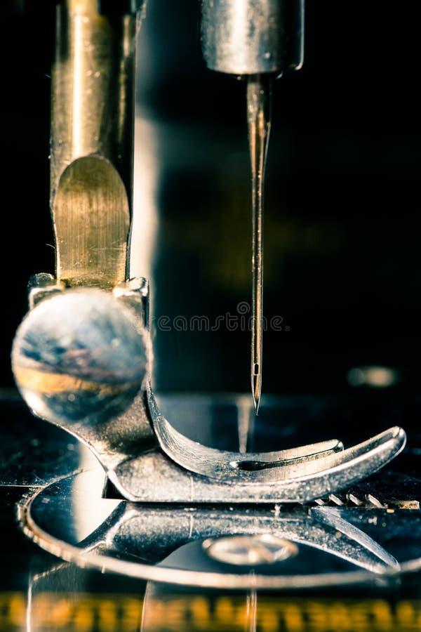 Máquina de coser de la vendimia imagenes de archivo