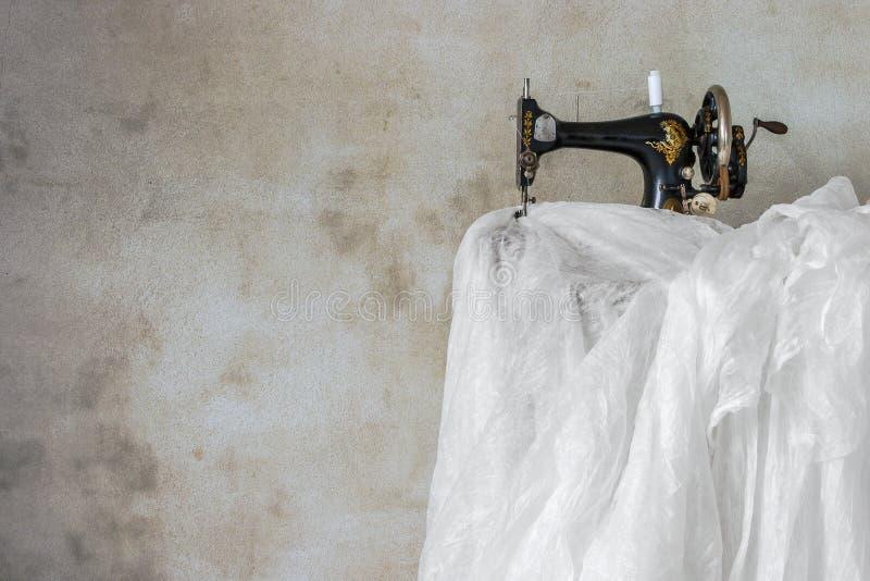 Máquina de coser vieja fotos de archivo libres de regalías
