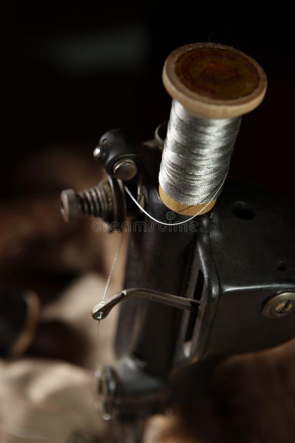 Máquina de costura da forma velha foto de stock