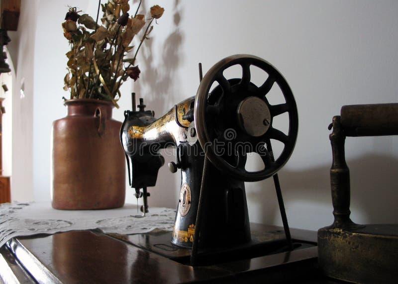 Máquina De Costura Velha. Imagem de Stock