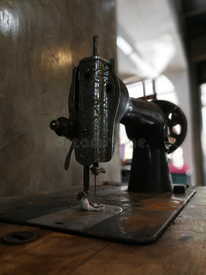 Máquina de costura velha fotografia de stock