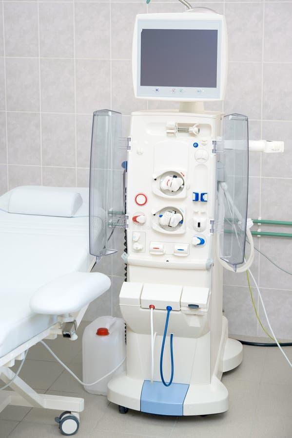 Máquina de diálisis en hospital fotos de archivo libres de regalías