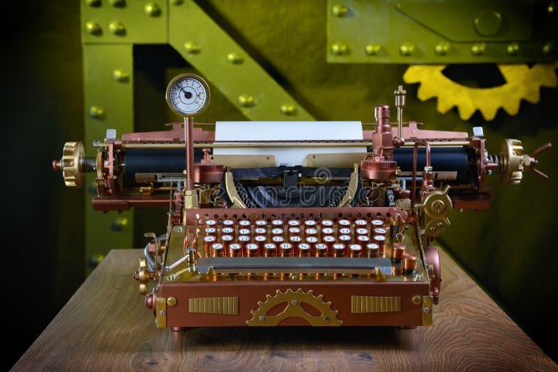 Máquina de escrever de Steampunk. fotos de stock