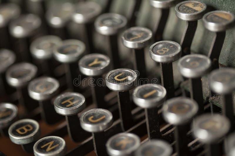 Máquina de escrever muito velha fotografia de stock