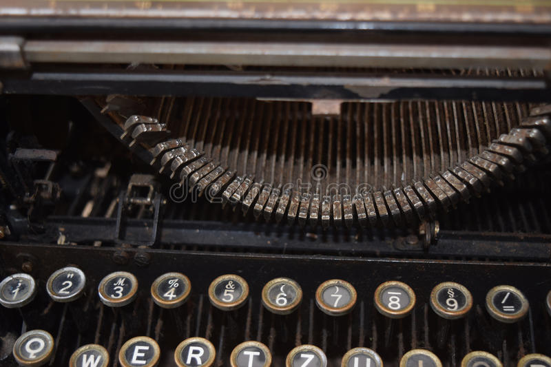 Máquina de escrever velha do vintage, close-up fotografia de stock royalty free