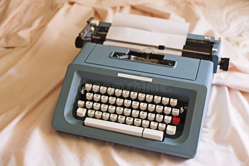 Máquina de escribir del vintage foto de archivo