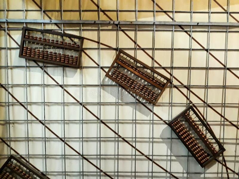 Máquina de escribir vieja en el vintage antiguo diecinueveavo y del siglo XX - máquina de escribir mecánica fotografía de archivo libre de regalías