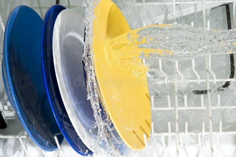 Máquina de lavaplatos imagen de archivo libre de regalías