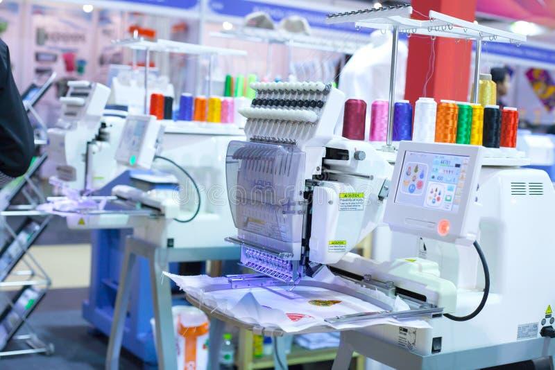 Máquina de materia textil imagen de archivo libre de regalías