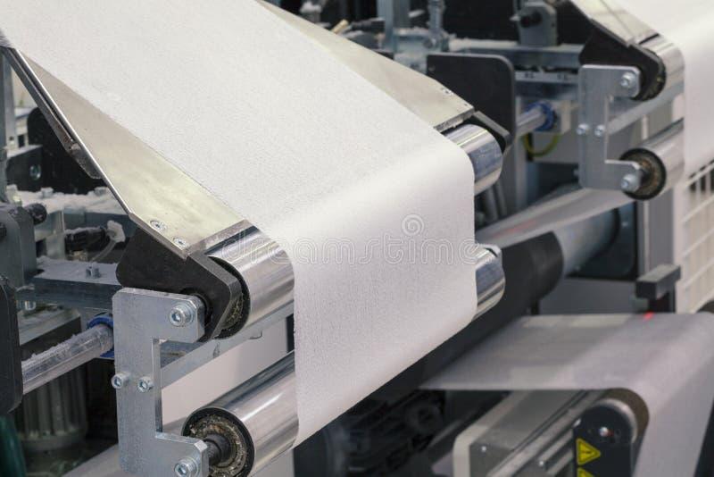 Máquina de papel do rolo imagens de stock royalty free