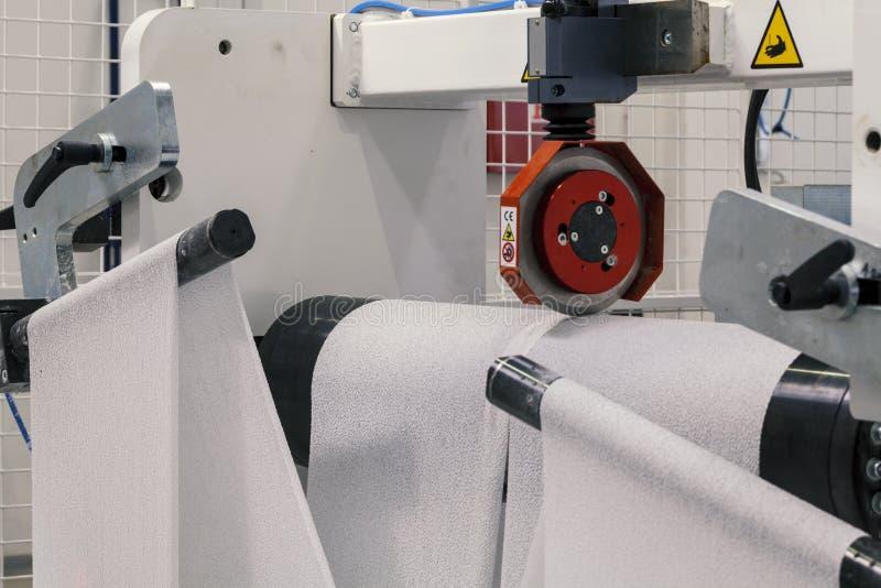 Máquina de papel do rolo imagens de stock