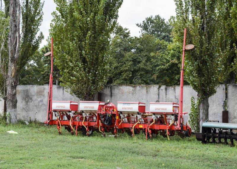 Máquina de semear para semear sementes de culturas foto de stock