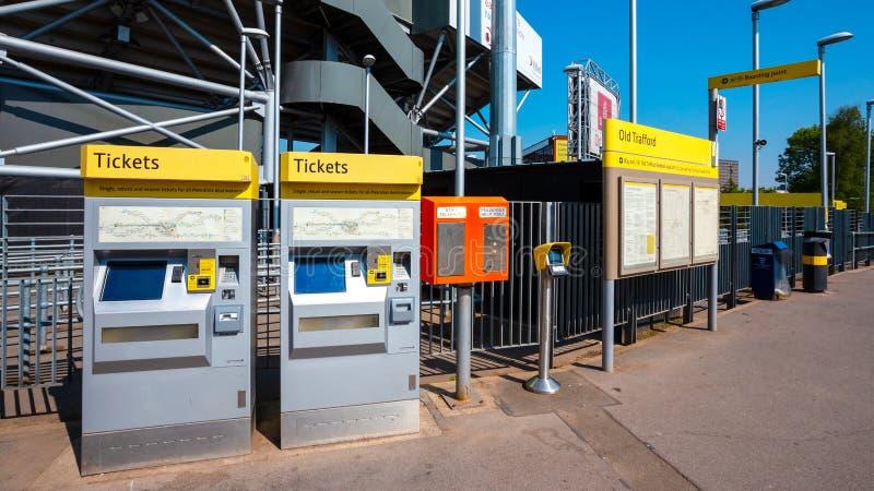 Máquina de venda automática do bilhete para Manchester Metrolink imagem de stock