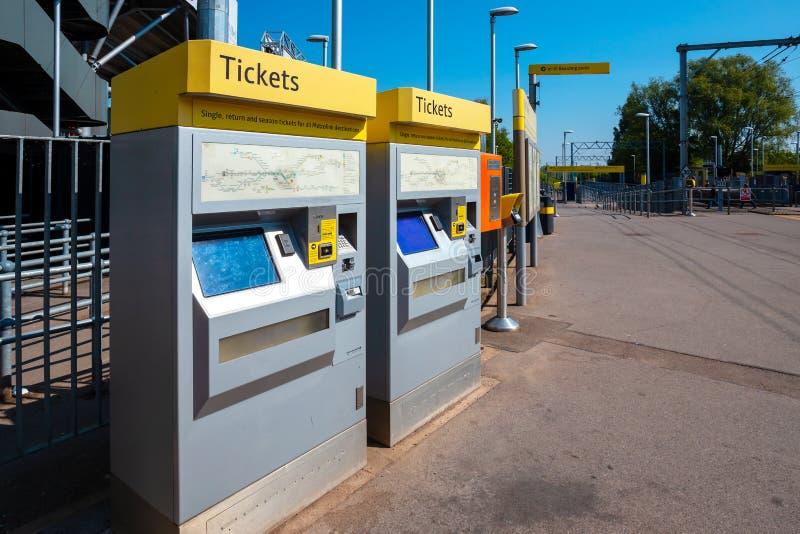 Máquina de venda automática do bilhete para Manchester Metrolink fotos de stock