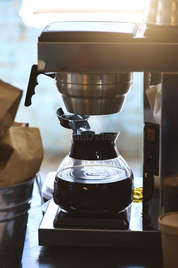 Máquina del fabricante de café foto de archivo