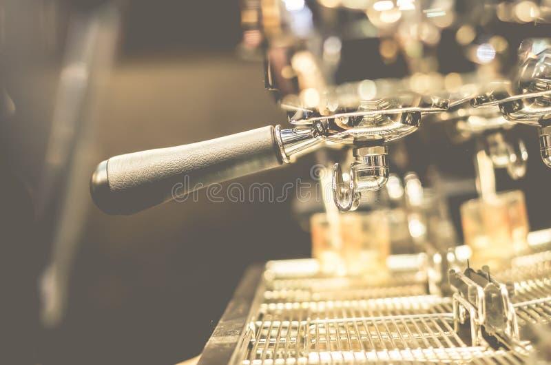 Máquina del lujo del café de las bebidas del café express fotos de archivo