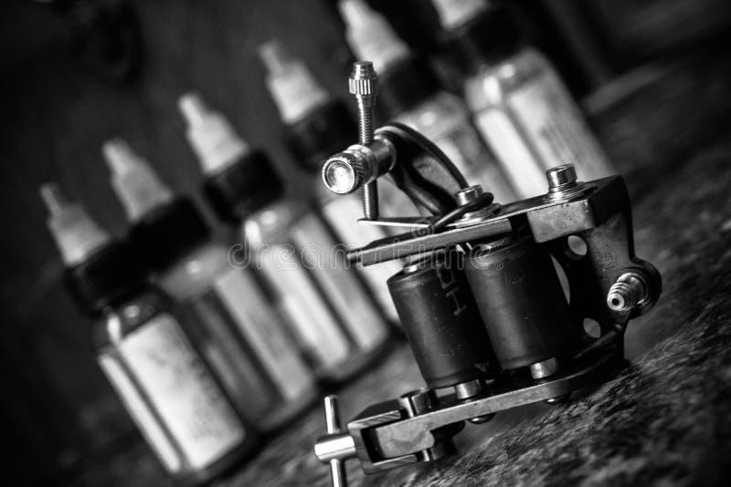 Máquina del tatuaje fotos de archivo
