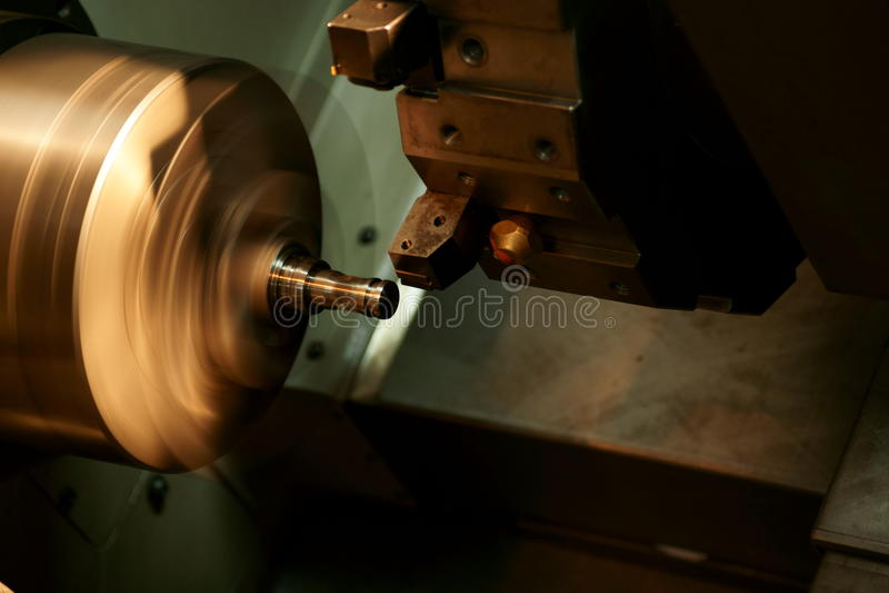 Máquina del torno del CNC fotografía de archivo