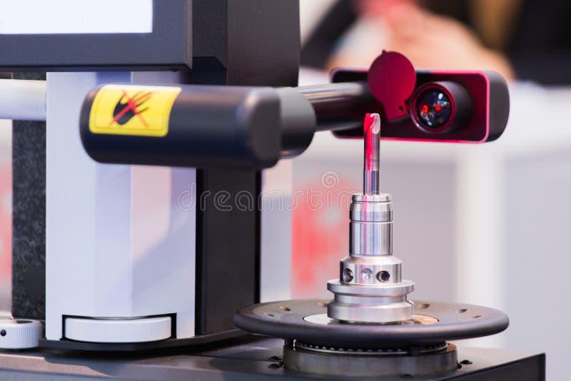 Máquina do laser para a medida do tamanho da parte imagem de stock