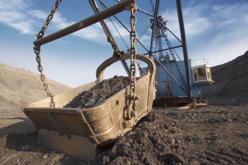 Máquina escavadora da mina fotografia de stock royalty free
