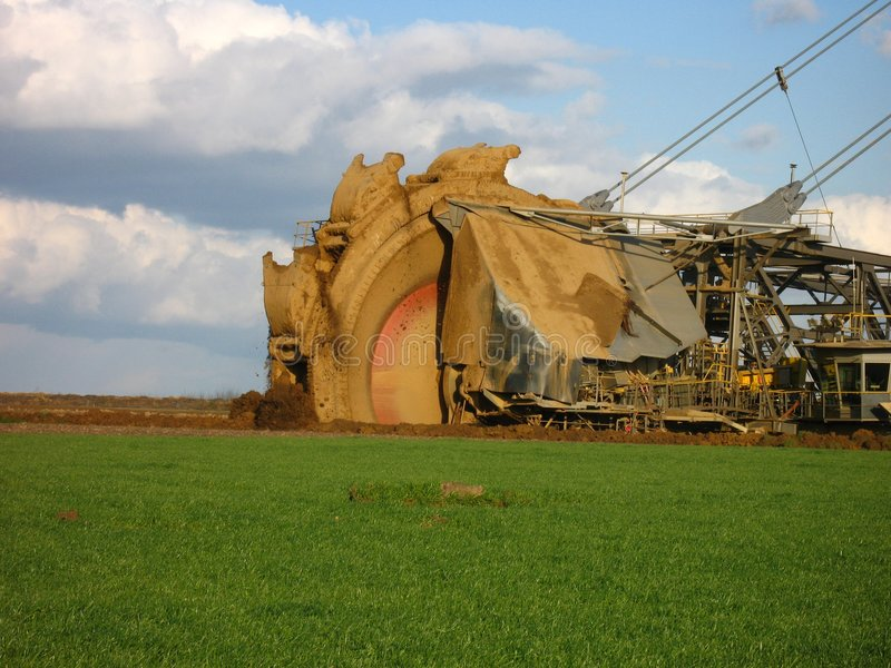 Máquina escavadora de roda de cubeta fotografia de stock