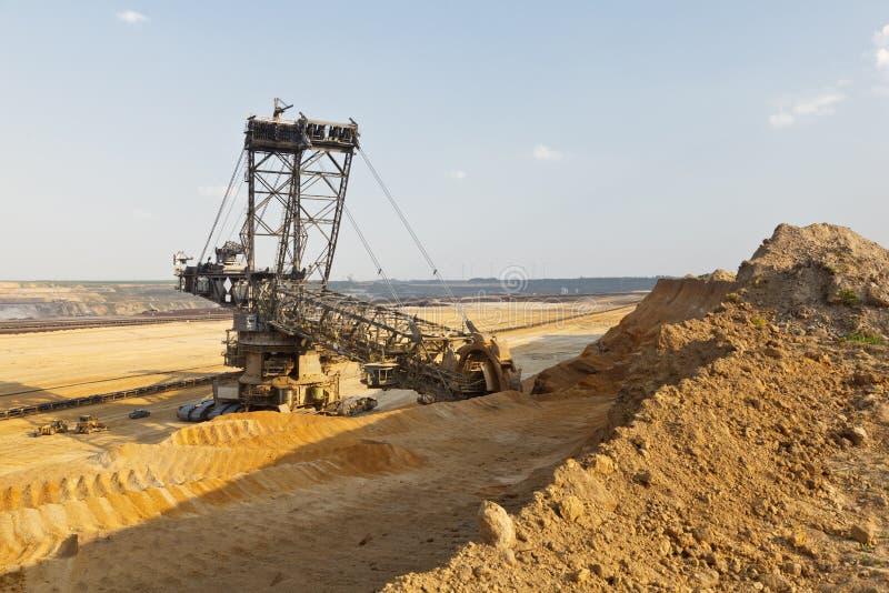 Máquina escavadora gigante At Work da Cubeta-roda fotos de stock