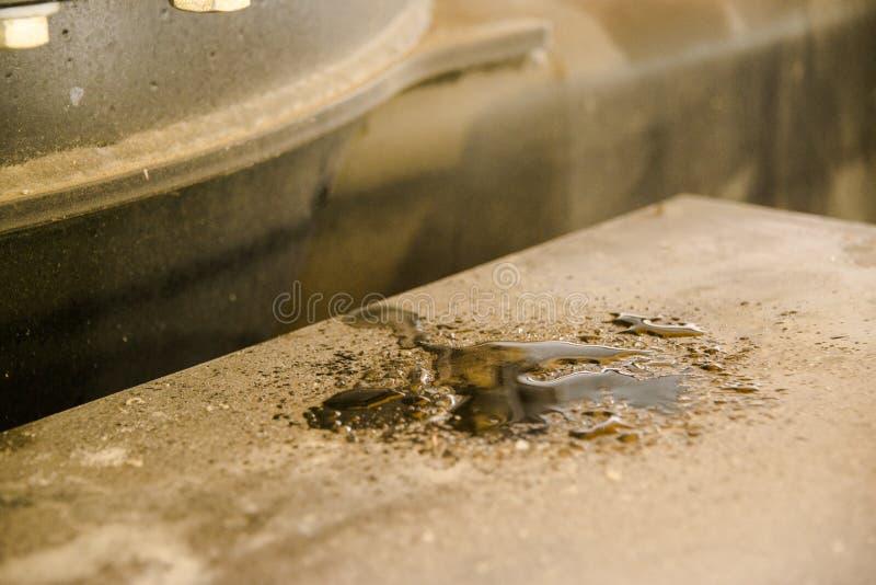 Máquina escavadora, hidráulica, pneus, parafusos foto de stock